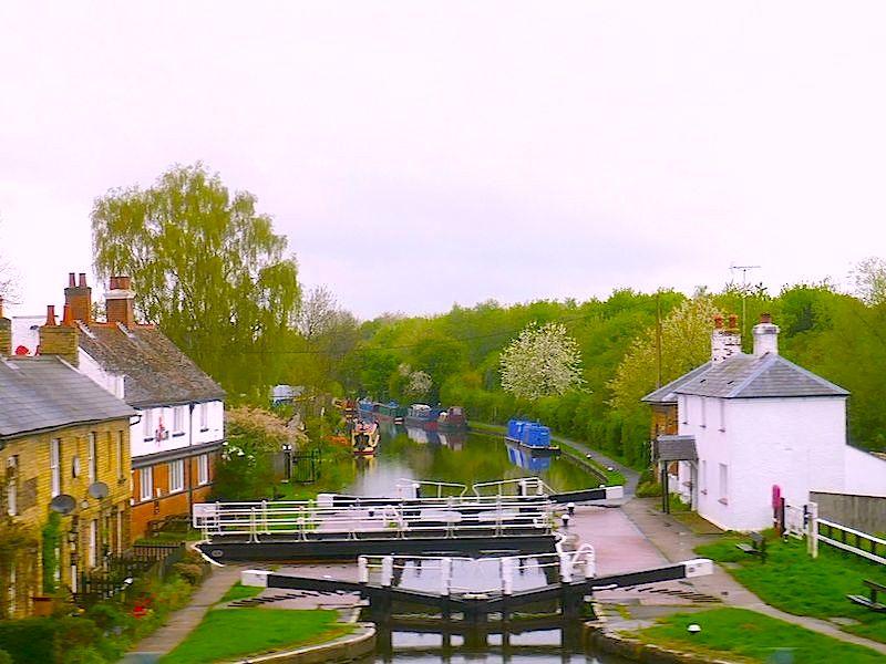 Canal locks - Bedford car-free adventures