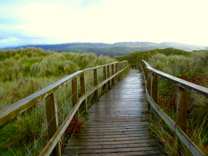 Welsh coast boardwalk - Barmouth car-free adventures