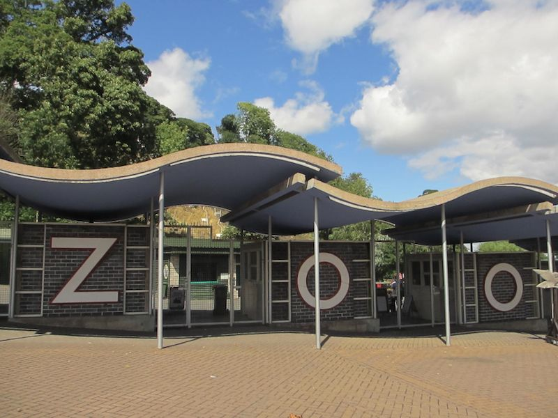 Entrance to Dudley Zoo - Stourbridge car-free adventures